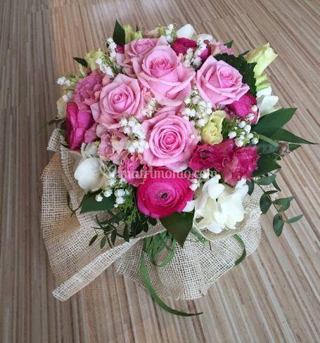 Mazzo di rose e fiori