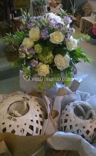 Lanterne bianche con fiori