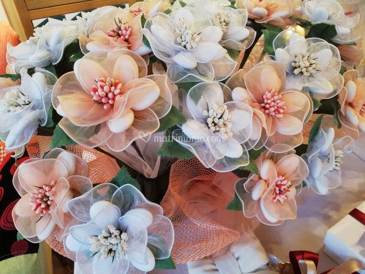 Confetti in fiore di sulmona