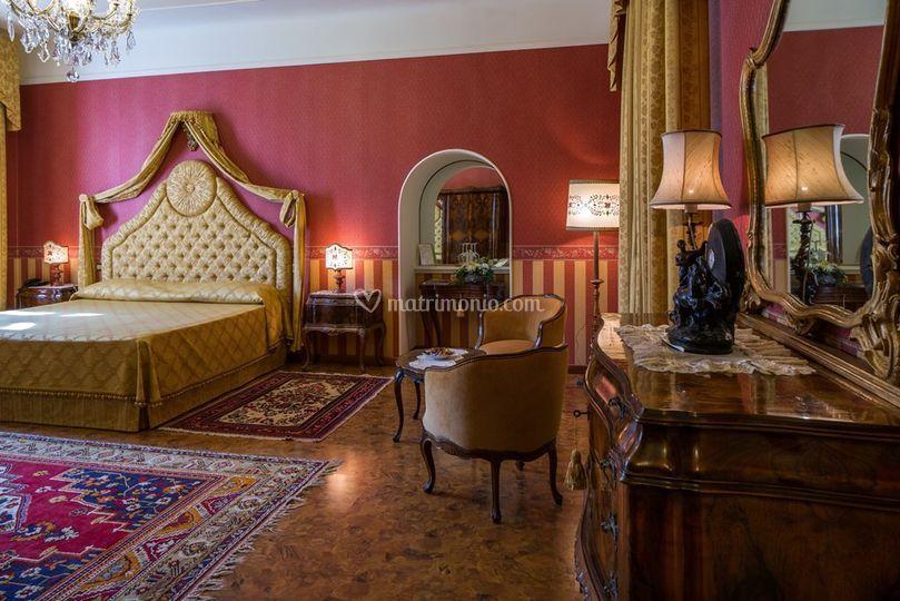 Castello di spessa resort for Mobili medievali