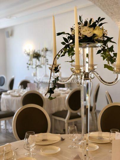 Tavolo con candelabro