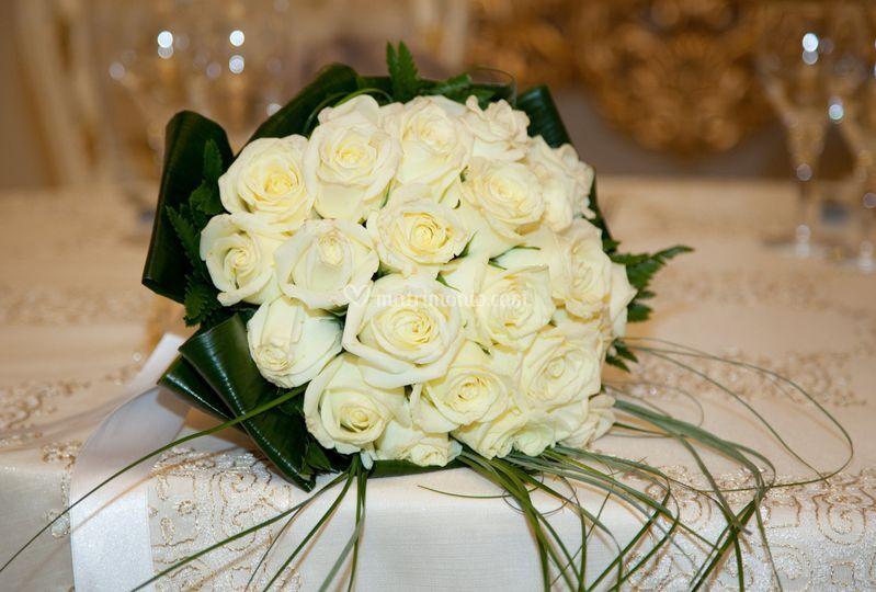 Tavolo sposi con bouchet