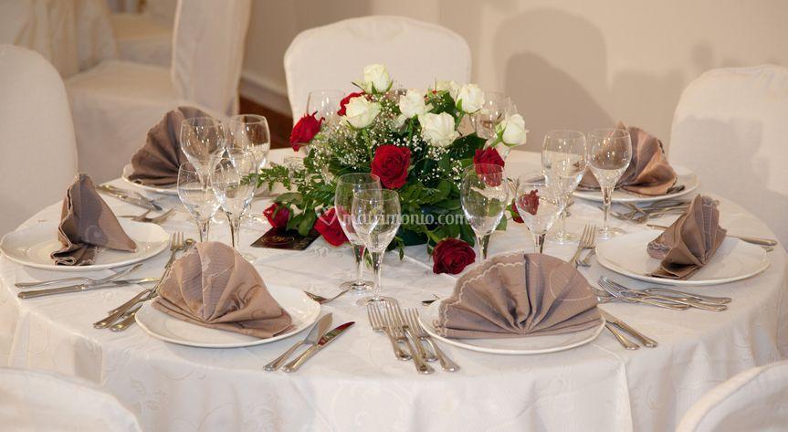 Tavolo con rose