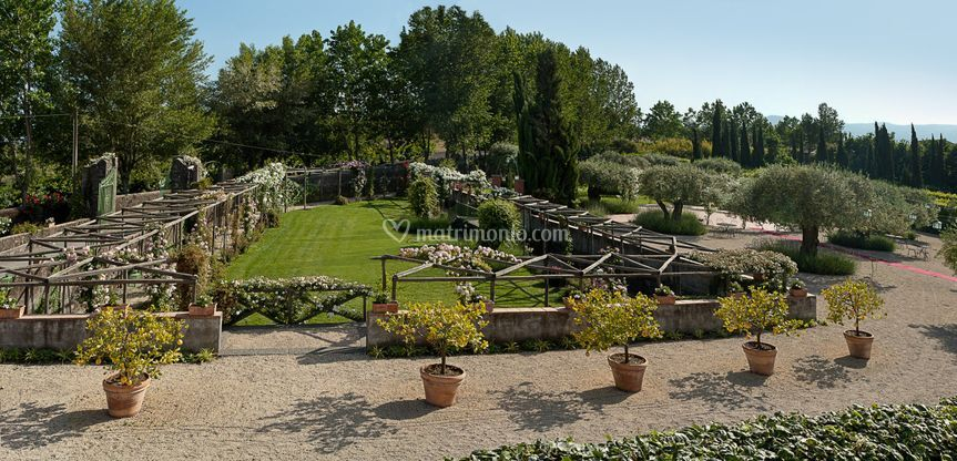 Villa fago for Torrisi arredi giardino catania