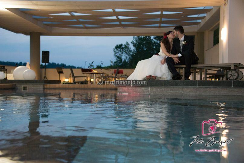 Evento in piscina con buffet di admiral park hotel foto for Piscina zola predosa