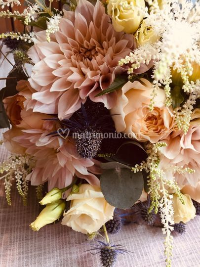 Bouquet dalie e rose inglesi