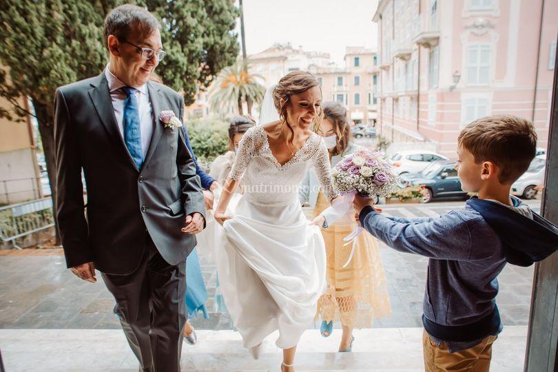 Arrivo la sposa chiesa