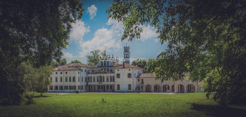Villa de Reali facciata