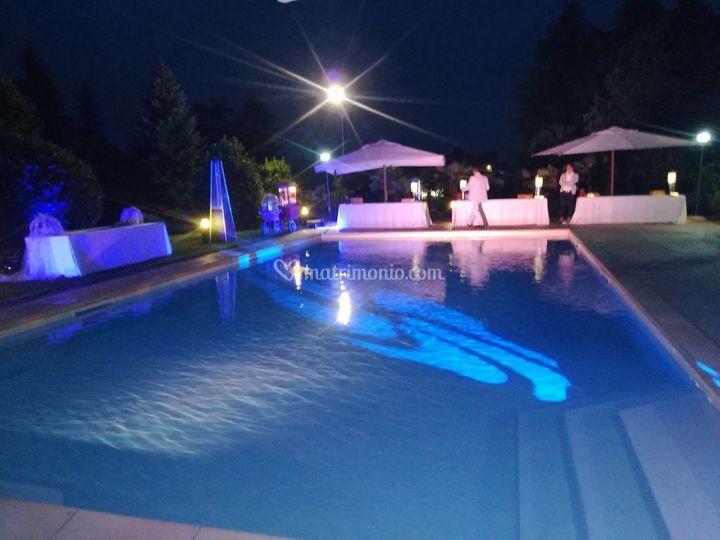 Serata danzante bordo piscina