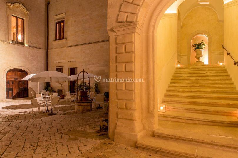 Corte e ingresso scale