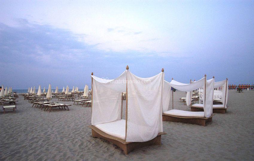 Matrimonio In Spiaggia Rimini : Grand hotel rimini e residenza parco fellini