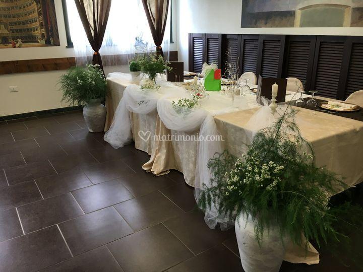 Tavolo sposi con addobbi verdi di Hotel FIera Rho - Terrazzano Cafè ...