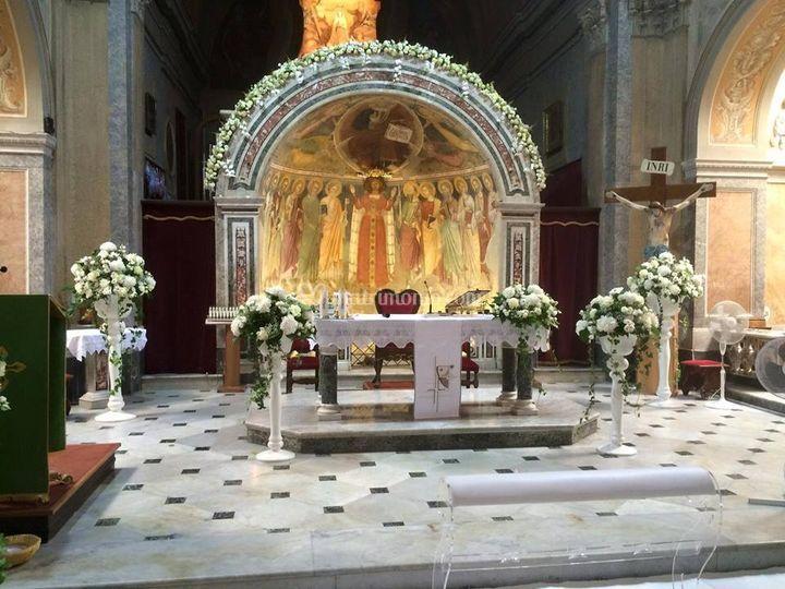 Allestimento total white altar