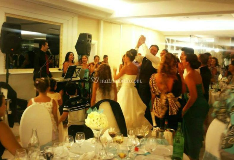 Matrimonio Romano E Napoletano : Dance di incanto napoletano posteggia e pianobar foto