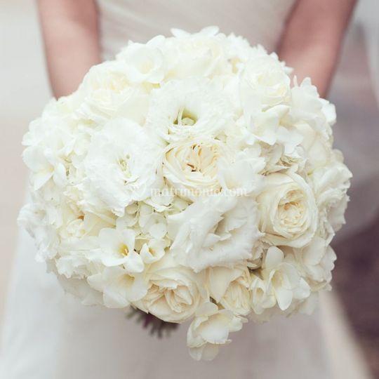 Bouquet da sposa total white