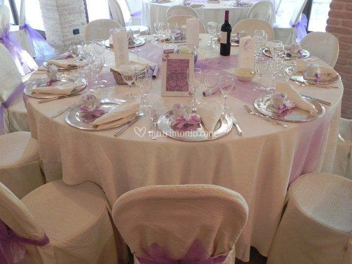 Mise en place (matrimonio in lilla)