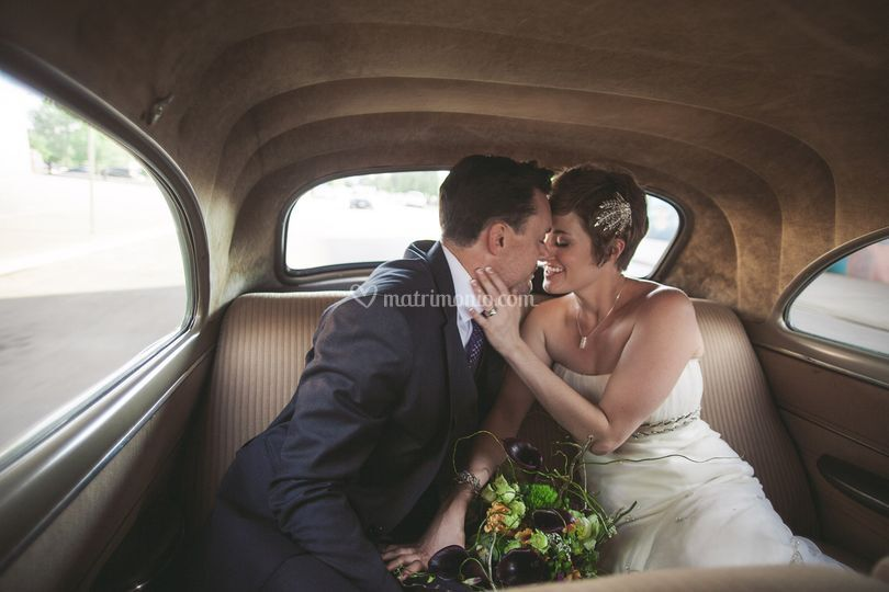 Kisses and vintage cars