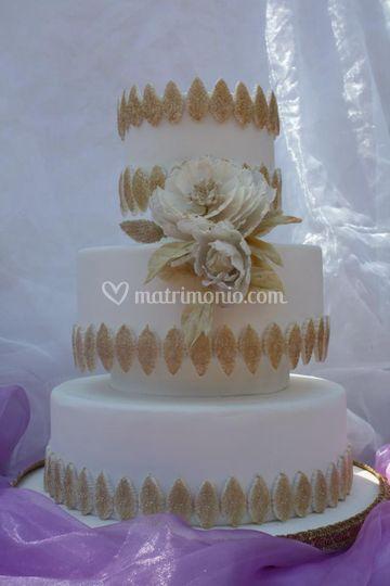 Peonia e oro cake