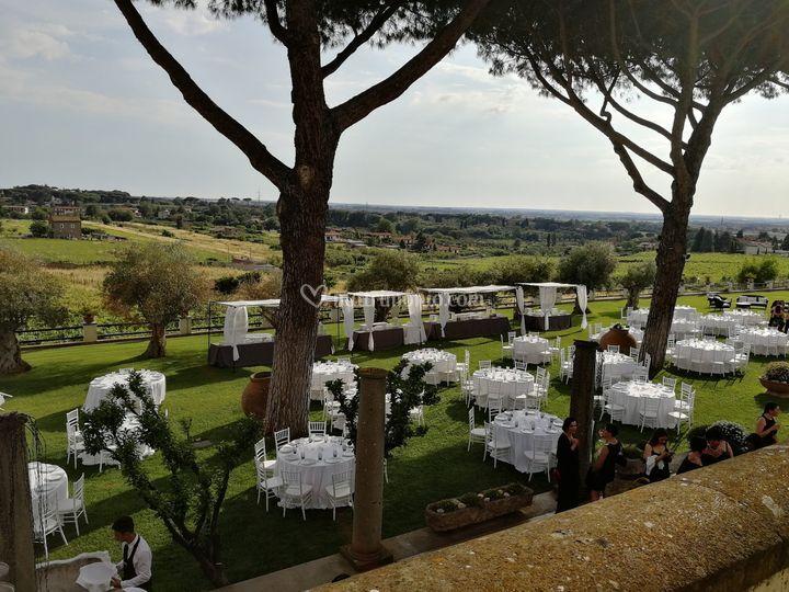Buffet in giardino vista roma