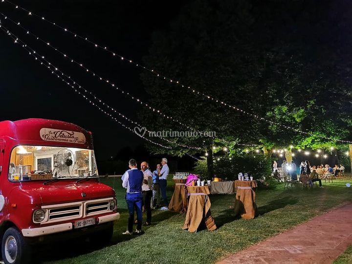 Vintage street food wedding