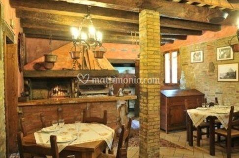 Arredamento rustico di ristorante ca 39 ad pancot foto 3 for Arredamento ristorante rustico