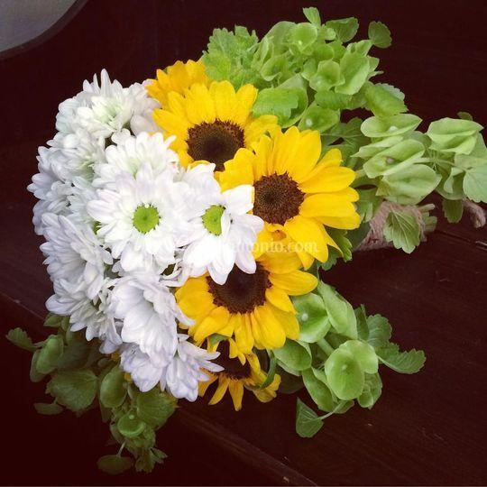 Bouquet girasoli e margherite
