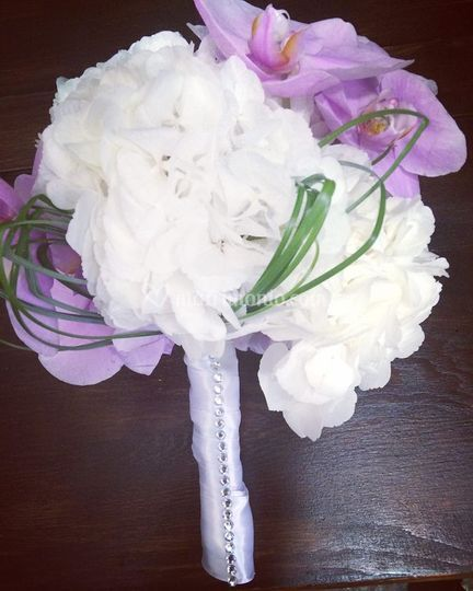 Bouquet Ortensie E Orchidee : Bouquet ortensie e orchidee di fiorista in nome della rosa
