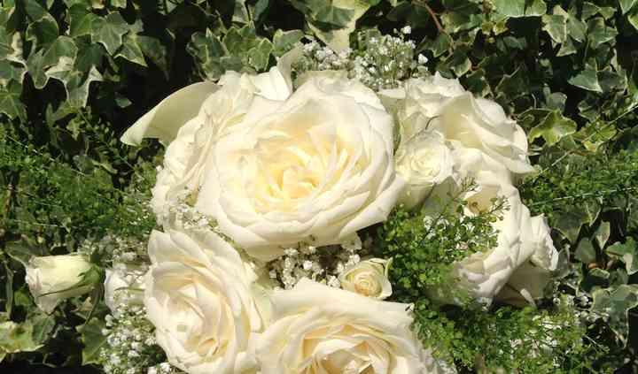 Bouquet Cascante White