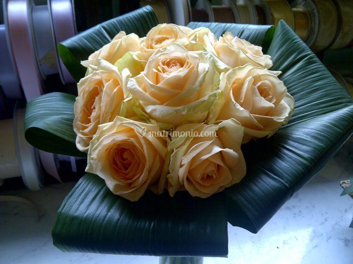 Bouquet con rose gialle