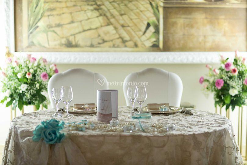 Tavolo sposi sala capriate