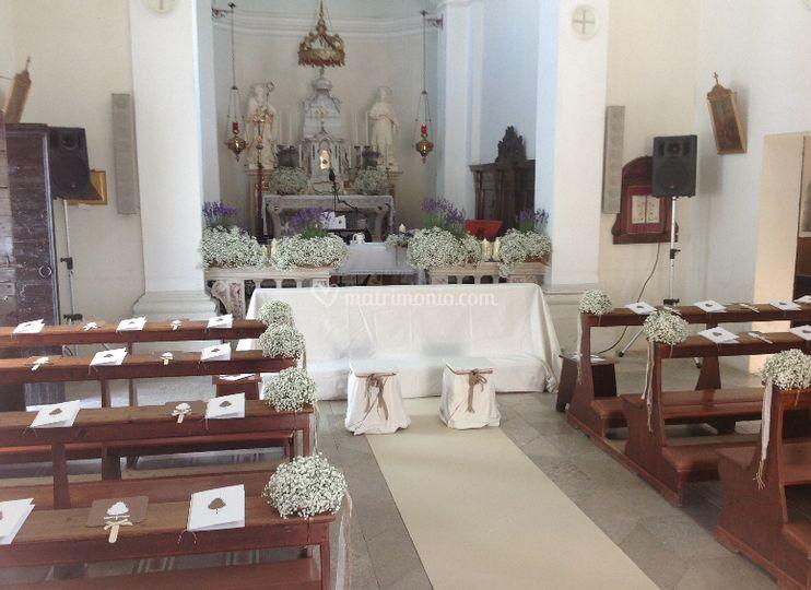 Chiesa con velo da sposa