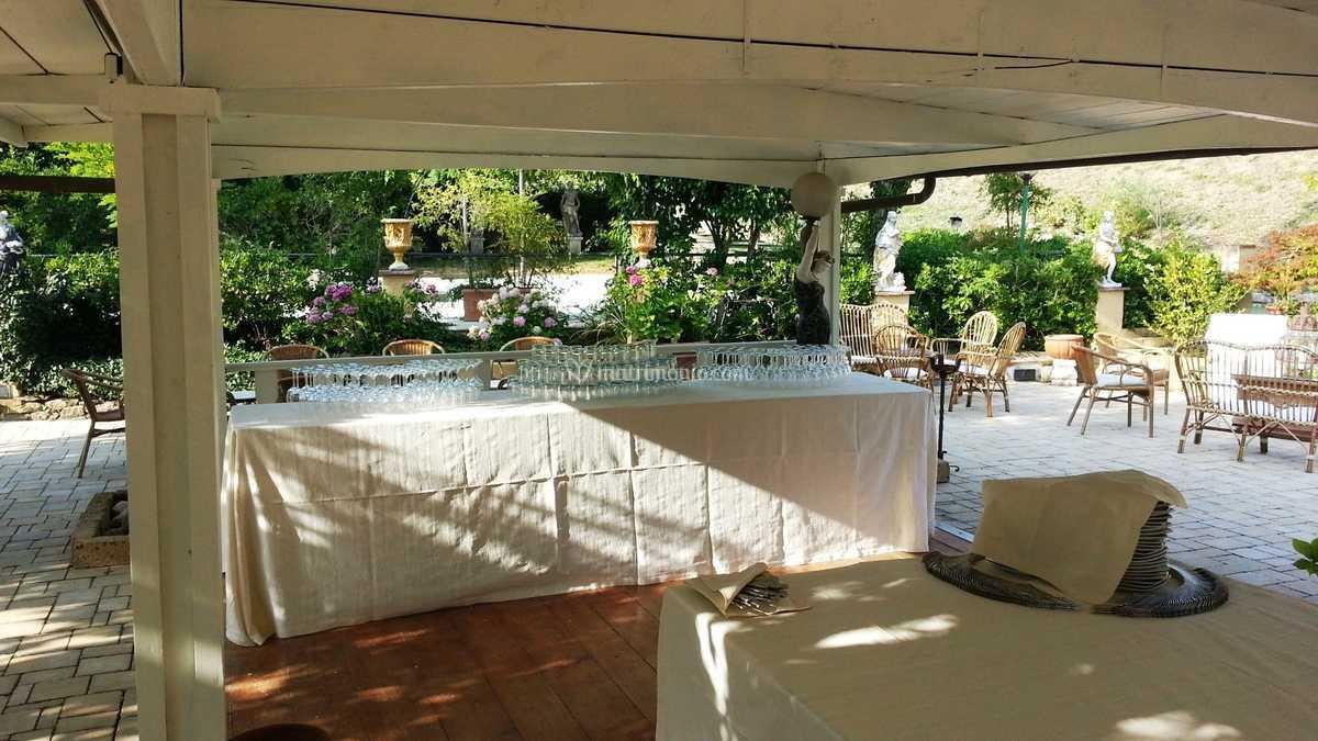 Gazebo In Legno Bianco.Gazebo Bianco In Legno Di Villa Gaudia Foto 16