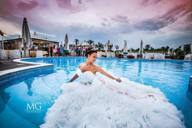 Silvia in piscina