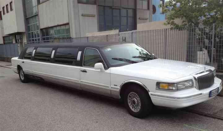 Autonoleggio Danielcamper - limousine 9 posti, ferrari, auto d'epoca