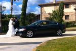 Jaguar XF con sposi
