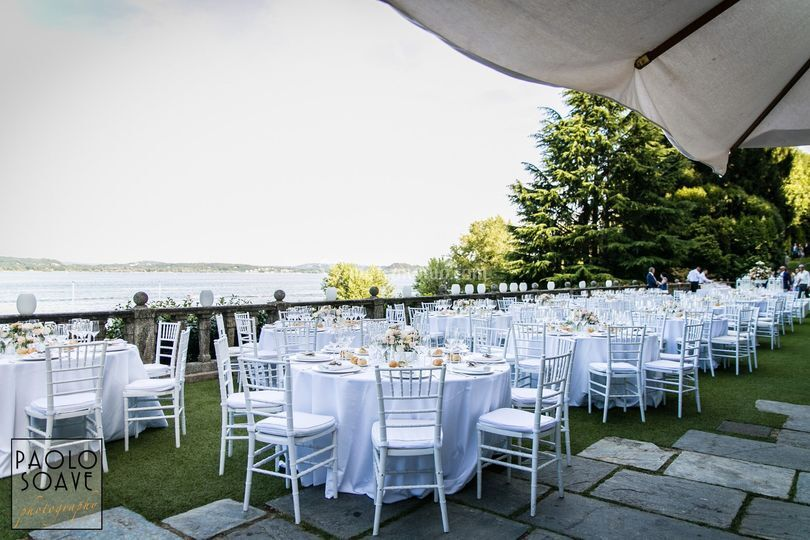 Wedding on lake