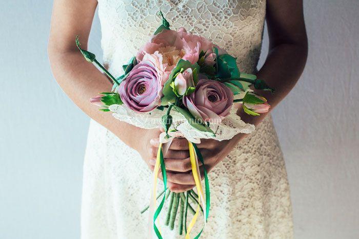 Bouquet peonie e ranuncoli