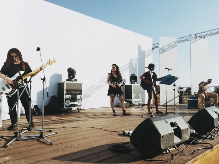 2 Agosto Female Singers trib