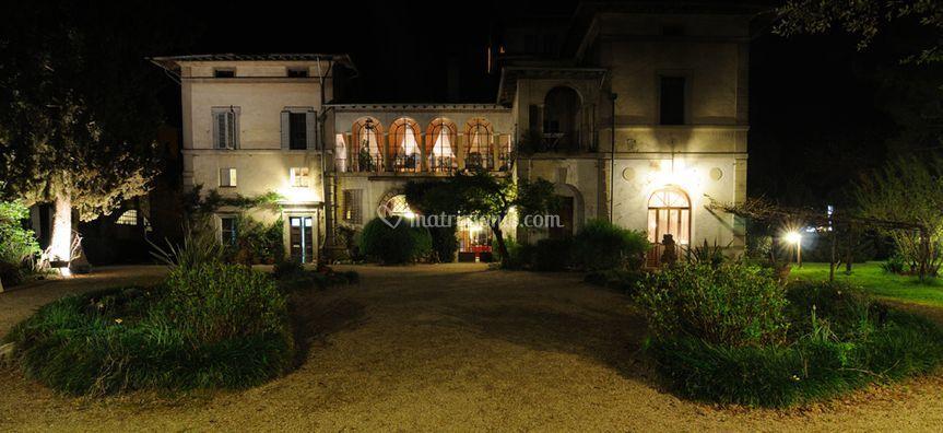 Foto della Villa di Notte