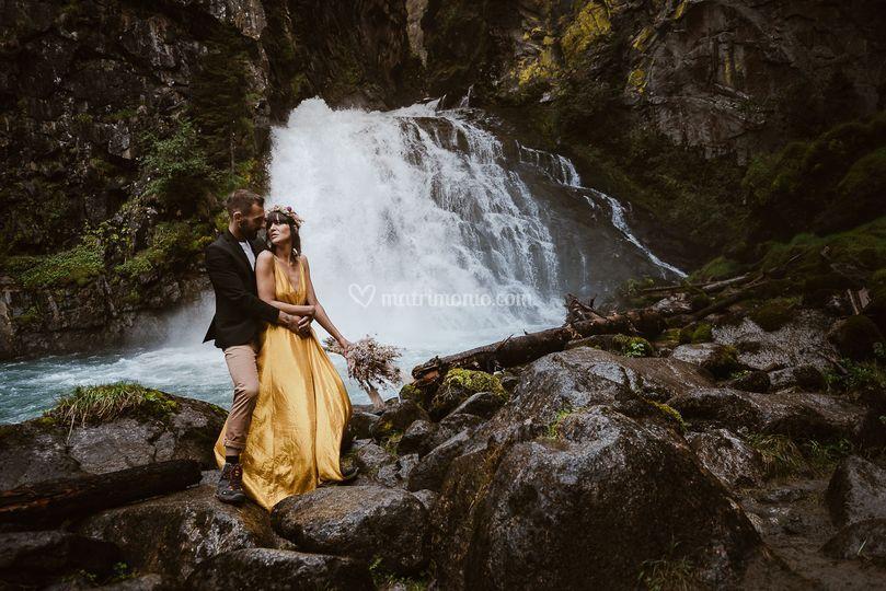 Matrimonio alle Cascate