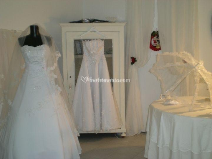 Vestiti Matrimonio Toscana : Outlet per vestiti da sposa