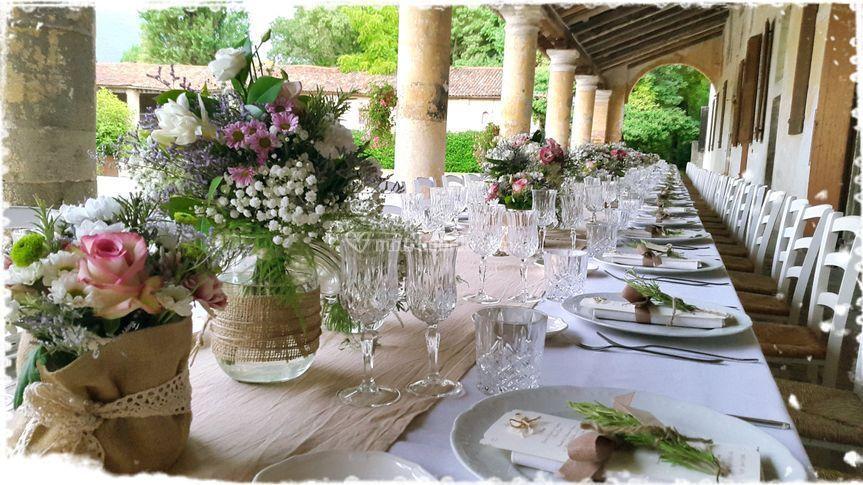 Matrimonio Country Chic Maison Mariage Wedding Planner : Wedding cake greenery di maison mariage planner foto