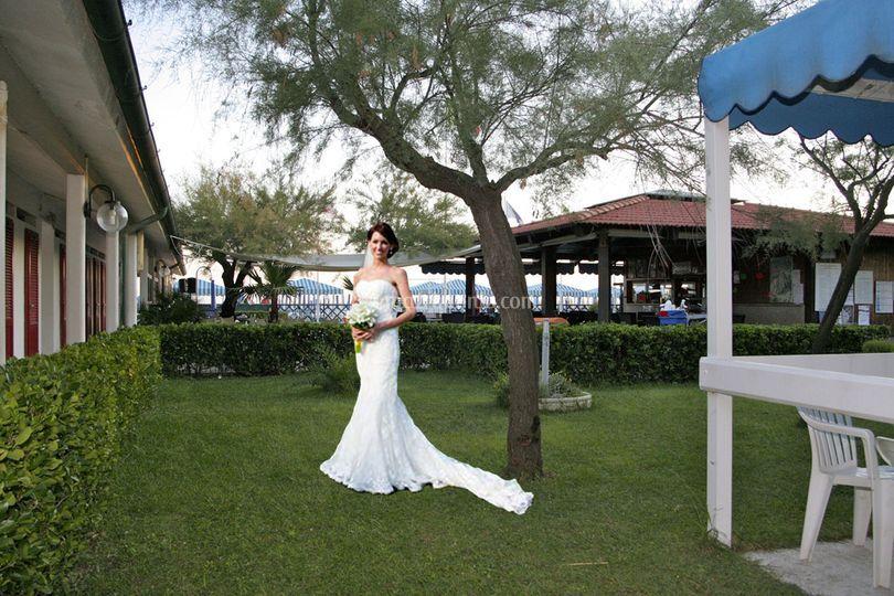 Sposa in giardino