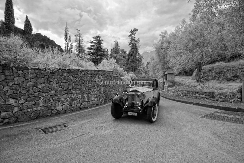 Avvicinamento con auto d'epoca