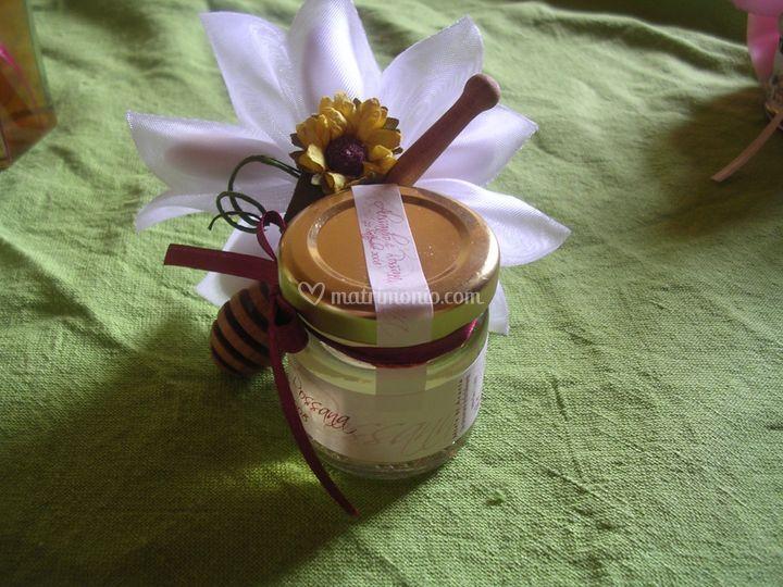 Vasetto con fiocco e fiorellino