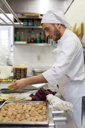 Staff cucina a lavoro