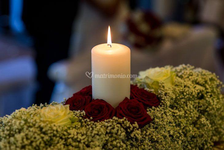 Rose rosse gipsofila candela
