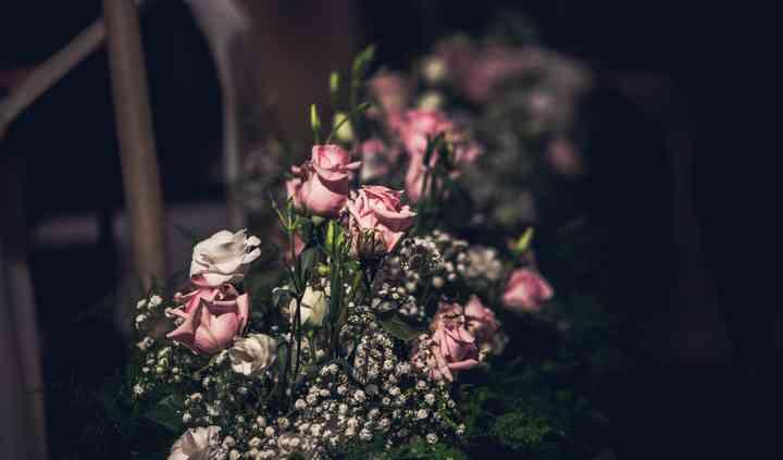 Composizione rose lisiantus
