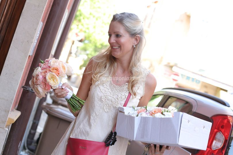 Delivering personally bouquet