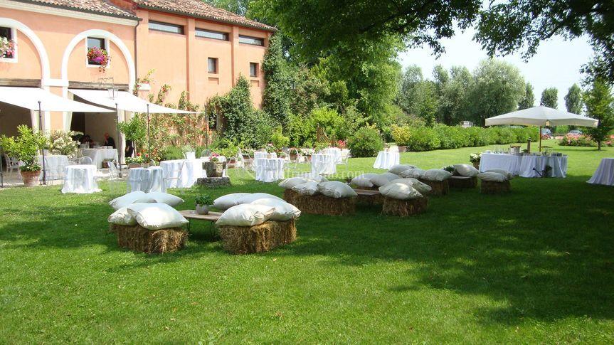 Location Matrimonio Rustico Piemonte : Allestimento rustico nel parco di villa correr agazzi